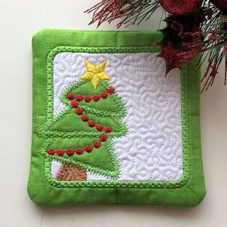 Free In the hoop Xmas Tree Coaster