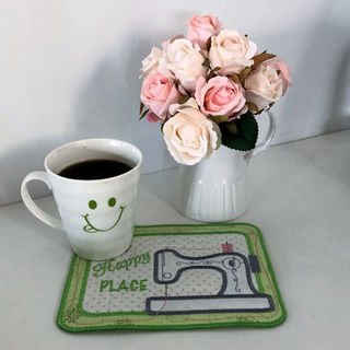 Free In the hoop Sewing Machine Mug Rug