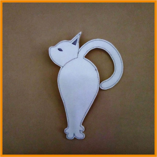 Back of In the hoop Cat Scissor Holder