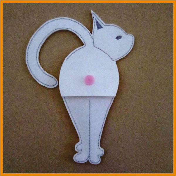 Front of In the hoop Cat Scissor Holder