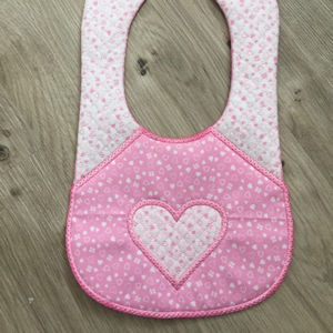 In the hoop Bib with Heart Applique