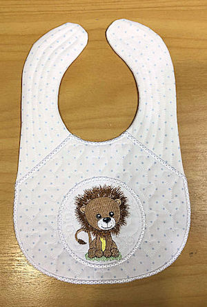 In the hoop Lion Bib