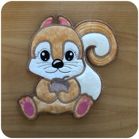 Large Applique Squirrel by Kreative Kiwi - 450