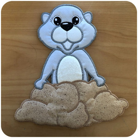 Large applique Ground Hog by Kreative Kiwi - 450