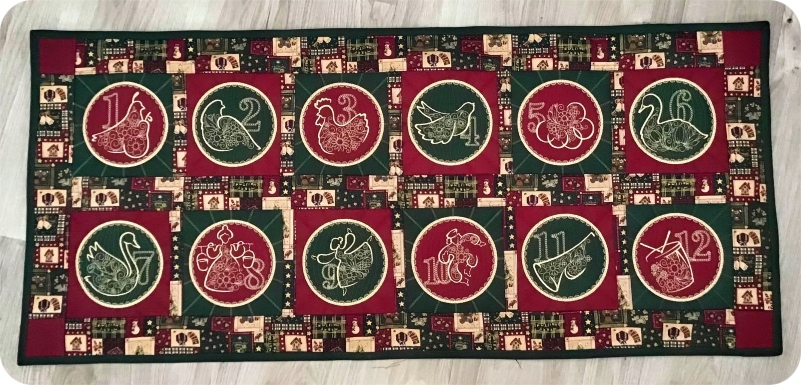 Table Runner made with 12 Days design by Darina
