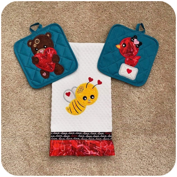 Valentines Animal Applique by Beverley- 600