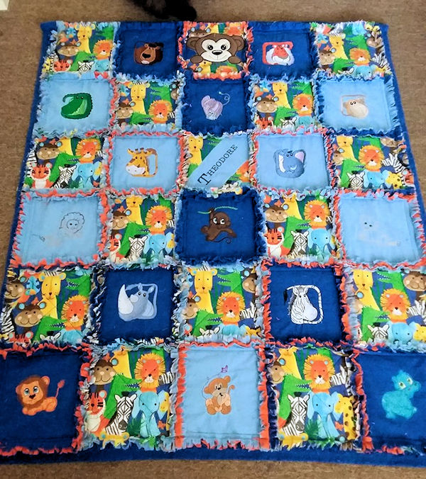 Raggy Quilt made with free designs by Jody