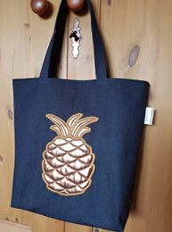 Gold In the hoop Pineapple Applique