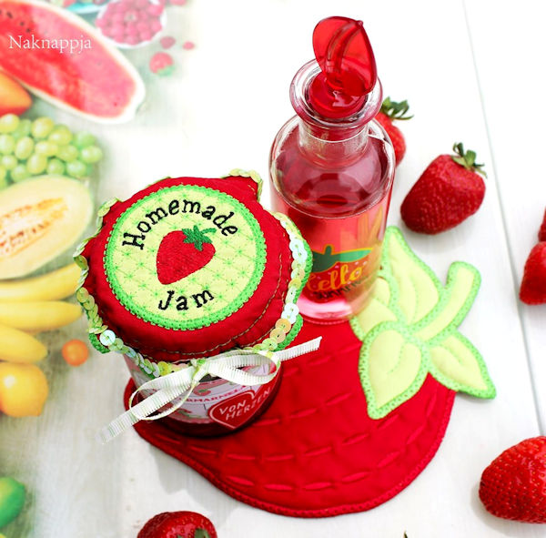 Strawberry set by Nadja