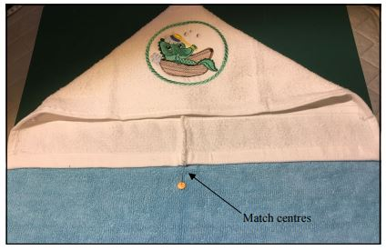 how to make a centreline between two straight edges