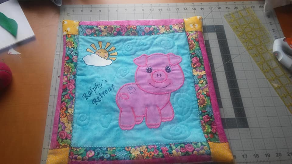 Free large pig applique free high quality machine embroidery designs