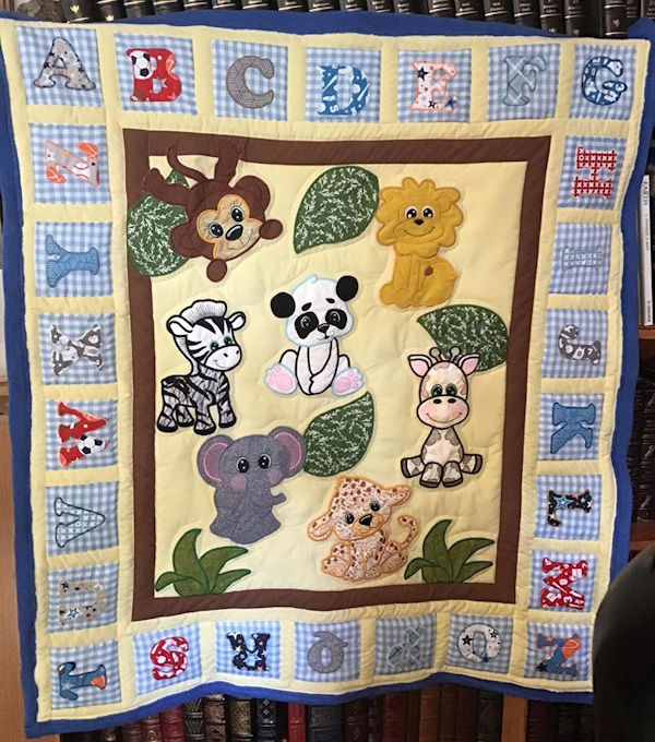 IW-Jungle Animal Quilt by Victoria